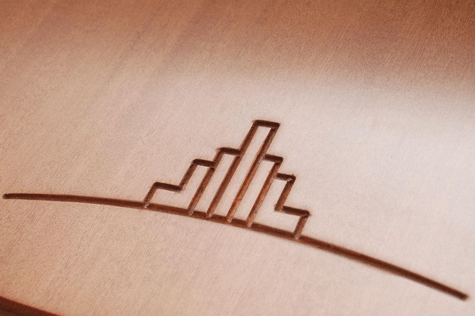logo in legno ing. tasso e candeloro costruzioni